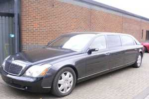 Stretched Maybach 72 Has Limo-Style Back Seats