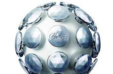 Sensory Stress Relief Gadgets - The ReFa Active Brain Massage Ball Stimulates the Body and Mind