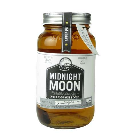 Pie-Flavored Spirits - Midnight Moon's 'Apple Pie' is Flavored with Apple Juice and a Cinnamon Stick