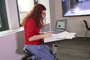 The Edge Desk is a Compact Solution for Modern Work Life