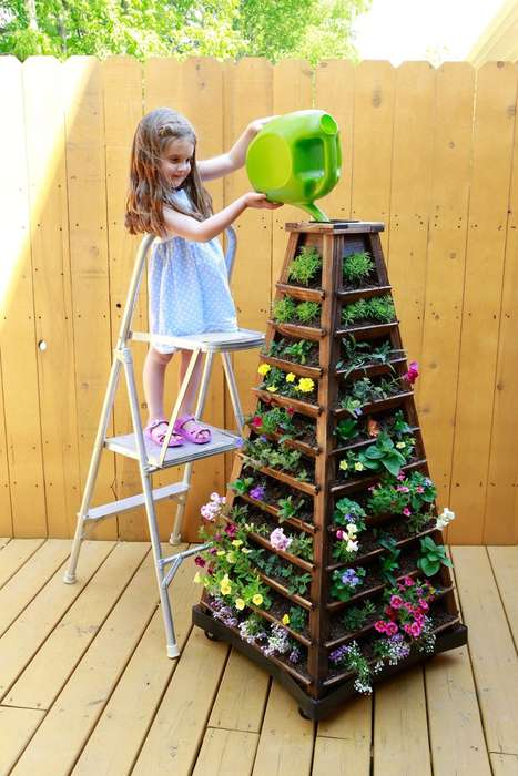 Self-Contained Vertical Gardens - The Earth Tower Garden Offers a Portable Gardening Experience
