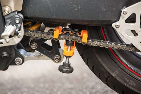 Accurate Bike Chain Clamps - The Chain Monkey Helps You Get the Perfect Chain Tension