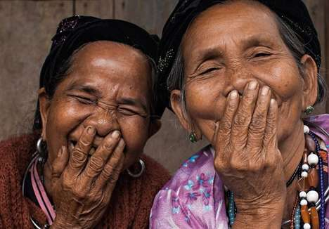 Hidden Smile Photography - French Photographer Réhahn Captures a Common Vietnamese Gesture