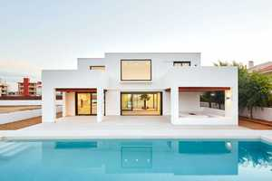 This House in Spain Brings a Minimalist Design Style to Life