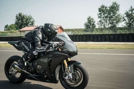 Aerodynamic Motorbike Helmets - The Shoei X-Spirit II Promises High-Tech Features and a Safe Fit
