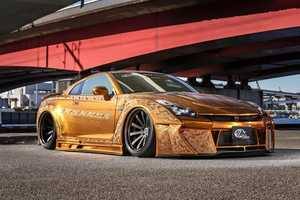 This Nissan GT-R Has Been Transformed into a Gold Car Using Paint and More