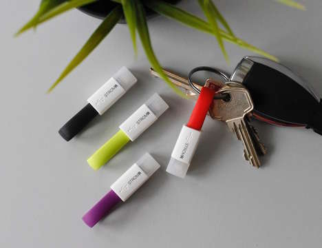Power Exchange Device Plugs - The 'STROMR' Power Exchange Cable Transfers Files and Electricity