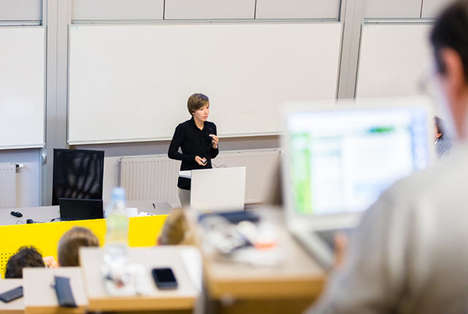 Accessible Lecture Platforms - The One Day University Lets Anyone Attend Digital College Classes