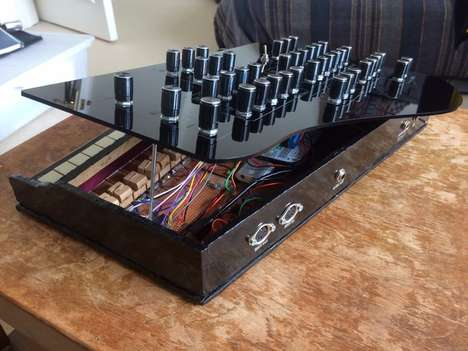 Vintage Toy Synthesizers - The Vintage Toy Synth Can Recreate Old-School Synth Sounds
