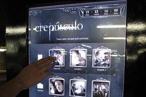 Tech-Savvy 'Twilight' Posters in Brazil Subways