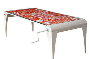 Scroll Table Eliminates Tablecloths and Stains