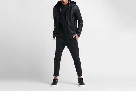Weather-Adjusting Athletic Coat - The NikeLab Transform Jacket Accommodates Different Climates