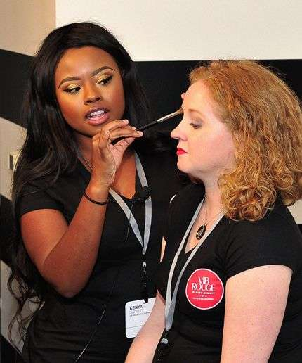 Branded Makeup Classes - The Free 'No-Makeup Makeup' Classes Teach Consumers How to Apply Makeup