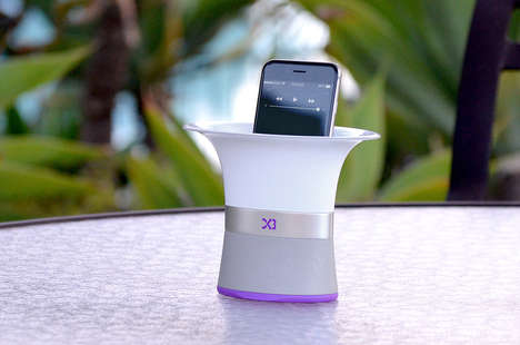 Acoustic Smartphone Amplifiers - The Shuffle Three 'Audiovase' Plays Smartphone Music without Power