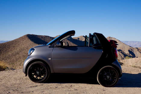 Practical Subcompact Cars - The Smart ForTwo Cabriolet is Designed for Fun and Functionality