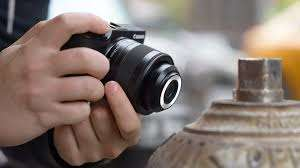Sophisticated Flash Lenses - The Canon Ring Flash Macro Lens Ensures Evenly Lit Photographs