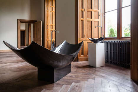 Relaxing Carbon Fibre Bathtubs - This Lightweight Tub by SplinterWorks Features a Hammock Shape