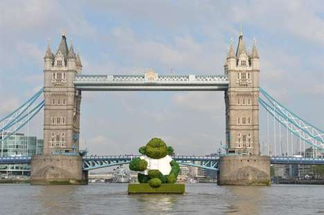 Tea Leaf Topiaries - PG Tips is Promoting Its Tea with a Floating Sculpture Made of Tea Leaves