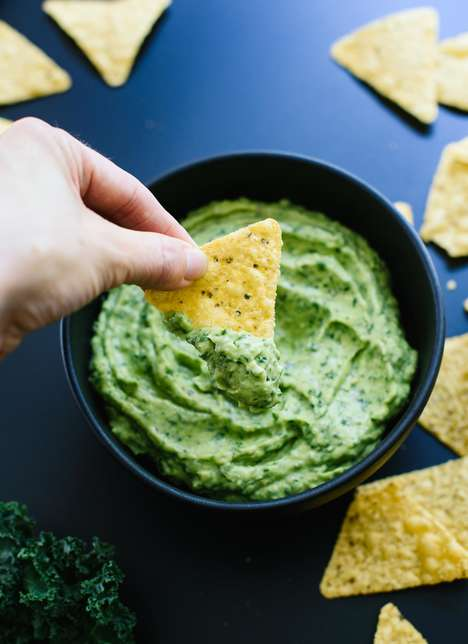 Raw Superfood Guacamole - This Avocado Spread is Infused with Raw Greens for a Healthier Snack