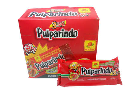 Tamarind Pulp Candies - This Mexican Candy by de la Rosa Has a Sweet and Spicy Flavor