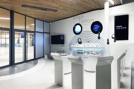 Next-Gen Tech Stores - This Parisian Samsung Shop Spotlights Gear S2 Technology