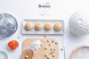 This Gift Set Turns a Sweet Chinese Treat into a Work of Art