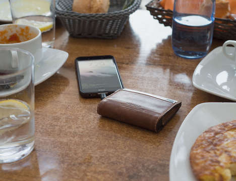 Smartphone-Charging Wallets - The Nomad Leather Wallet for iPhone Keeps Devices Charged All Day