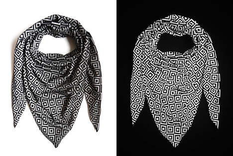 Anti-Paparazzi Scarves - This Anti-Flash Scarf Protects the Wearer's Privacy