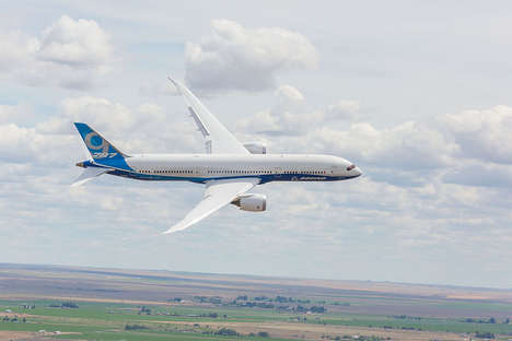 Acrobatic Commercial Airliners - The Boeing 787 Dreamliner Can Conduct Air Show-Worthy Stunts
