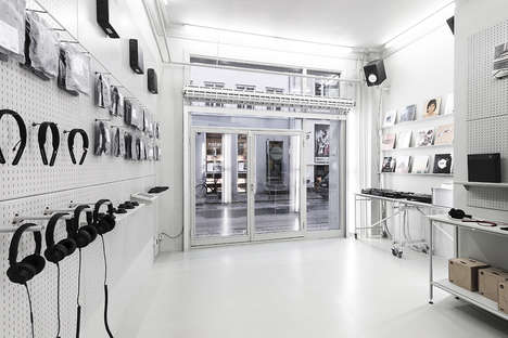 "Deconstructed Flagship Stores - The ""Non-Design"" of This Headphone Store Highlights Its Products"