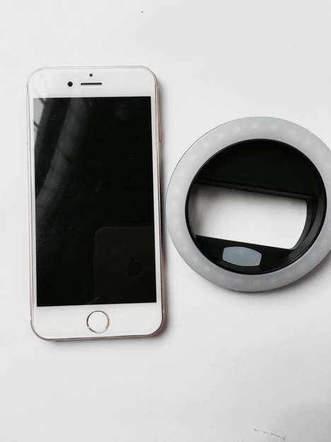 Clip-On Mobile Lights - The Rechargeable Flawless Lighting Ring Clip Instantly Brightens Photos