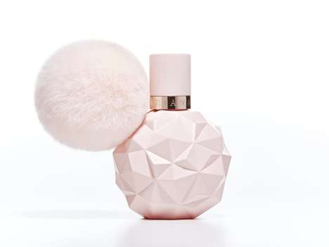 Pop Songstress Perfumes - Ariana Grande's New 'Sweet Like Candy' Perfume Has a Sugary Sweet Scent