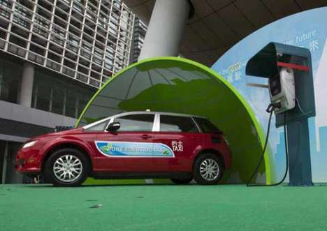 Electric Taxi Fleets - HDT Singapore Taxi's Entire Fleet Runs on Electricity Instead of Gas