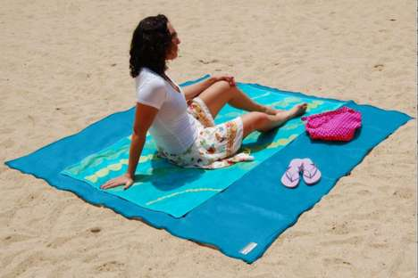 Sand-Repelling Beach Blankets - The 'Sandless' Body Towel Has a Netted Fabric That Keeps Grains Out