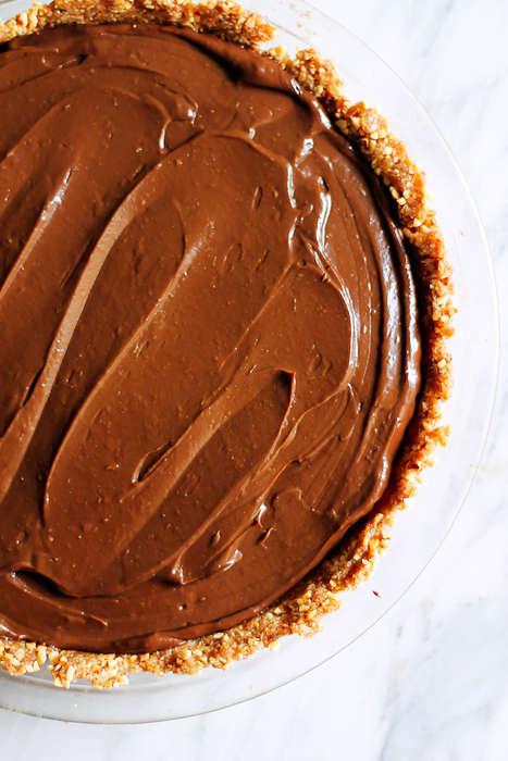 Chocolate Avocado Pies - This Seasonally Suited Chocolate Avocado Pudding Pie is a Vegan Dessert