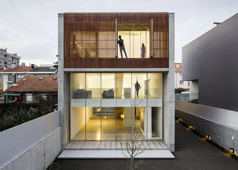 Slatted Home Facades - A Wooden Wall Protects the Privacy of This Portuguese Home