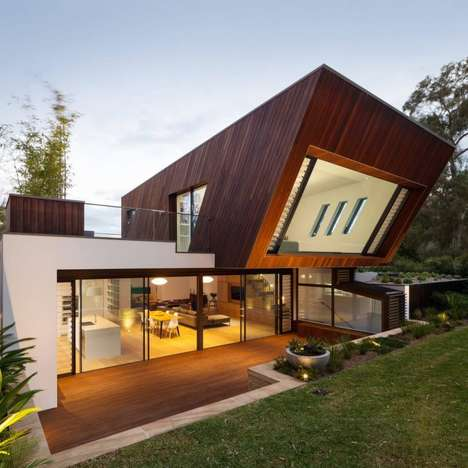 Angular Cabin Facades - The Castlecrag House by Greenbox Architecture Embodies Modernism