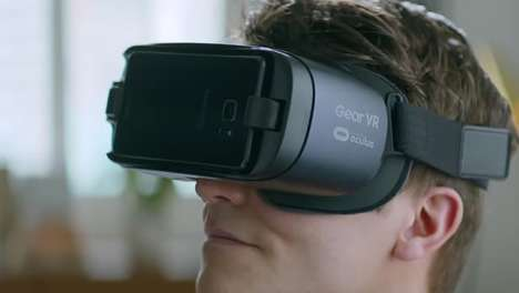 Upgraded VR Headset - The New Samsung VR Headset Features a Tweaked Design