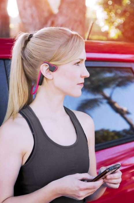 Charitable Athlete-Inspired Headphones - AfterShokz Looks to Raise Breast & Ovarian Cancer Awareness