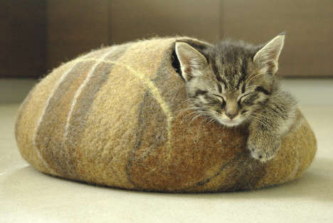 Eco Cat Cave Beds - These Comfortable Pet Accessories are Shaped Like Leaves and Rocks
