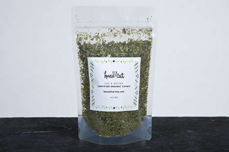 Organic Loose Leaf Catnips - This Healthy and Natural Catnip is the Perfect Treat for Felines