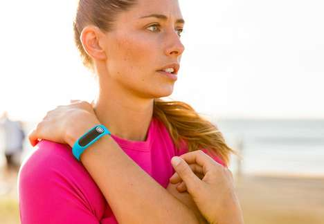 Mass-Measuring Health Trackers - The TomTom 'Touch' Fitness Tracker Keeps an Eye on Body Fat