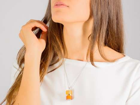Customizable Scented Glass Jewelry - The 'MAGIEN' Glass Pendant Necklace Diffuses Scents and More