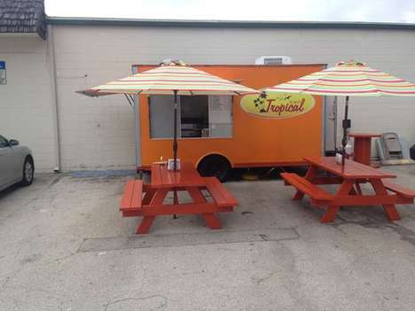 Banana Burger Food Trucks - The Tropical Point Food Truck Serves Banana Burgers and Egg-Topped Pizza