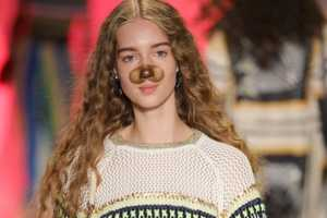 The Desigual Fashion Show Reveals Models Wearing Filters