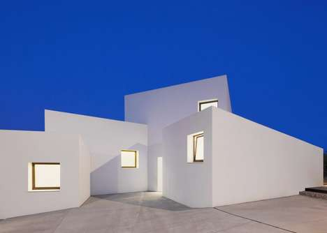 All-White Cube Houses - The MM House in Mallorca Consists of Four White Angular Cubes