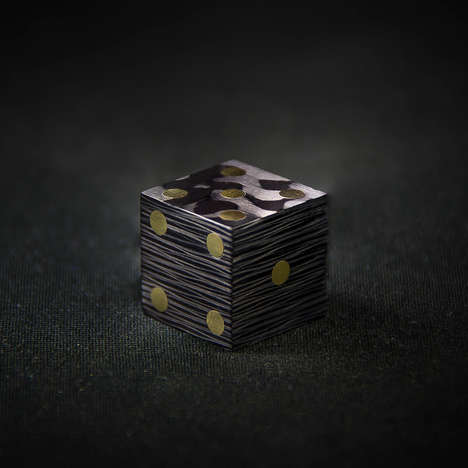 Carbon Fiber Die - COTOCUBE is a Game Dice Piece That's Filled with Mystery