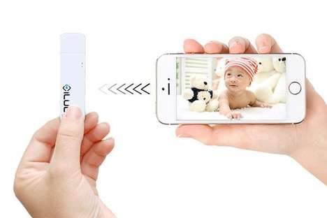 Wireless OS Storage Drives - The 'iLuun Air' Wireless USB Drive Works with iOS and Android Devices