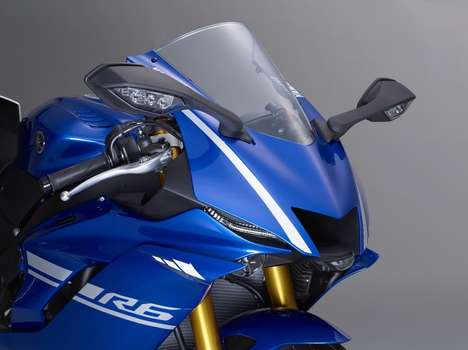 Souped-Up Sport Motorbikes - The New Yamaha YZF-R6 Blends the Best Features Of Previous Yamaha Bikes