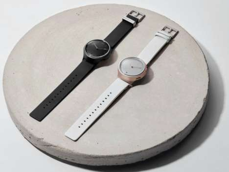 Smart Analog Watches - This Watch Combines Classic Design with Modern Functions